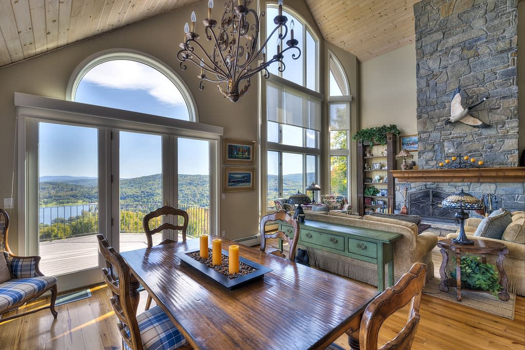 Stone Cottage Luxury Home Dining room