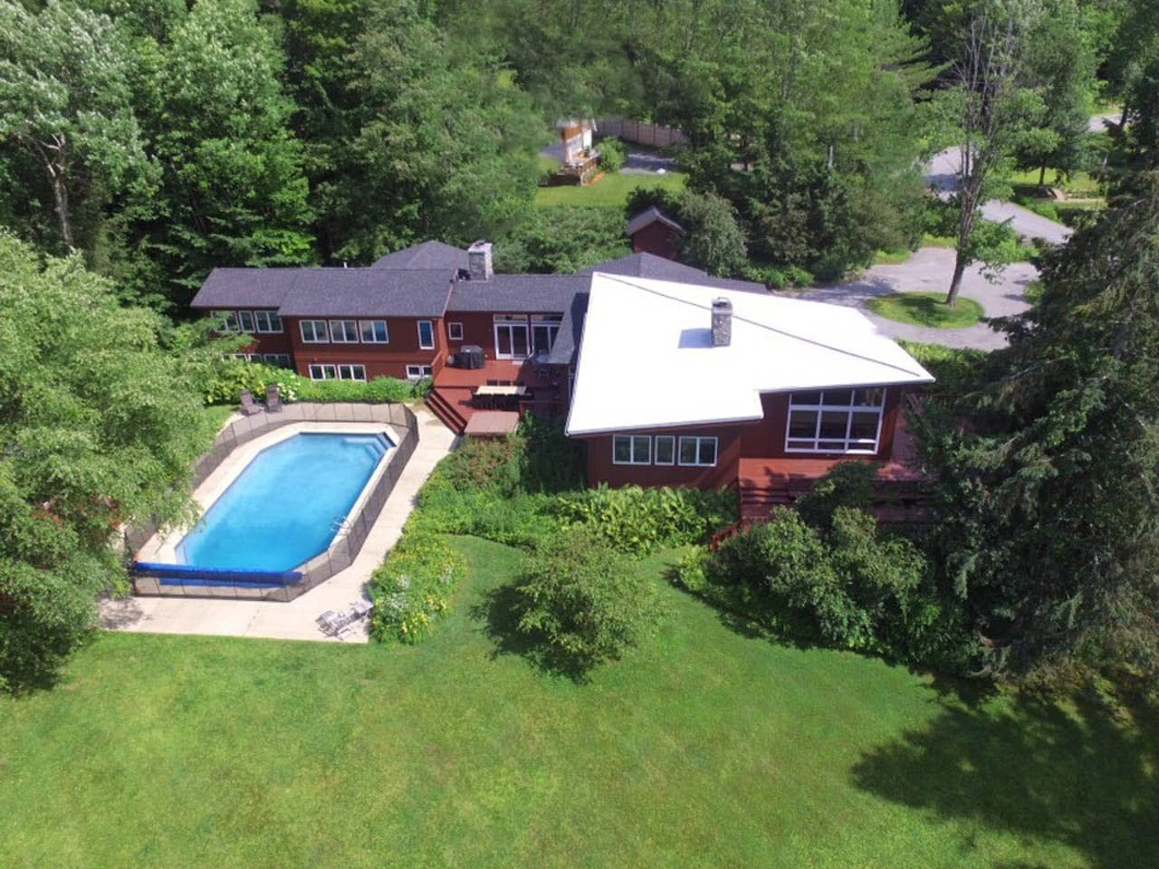 Large estate in Stowe Vermont with an inground pool